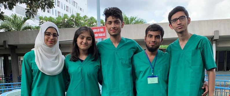 WCM-Q students visit Vietnam to learn about global health issues