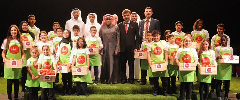 His Excellency Dr. Mohammed Bin Abdul Wahid Al-Hammadi, the minister of education and higher education, Dr. Javaid Sheikh, dean of WCM-Q, representatives of Sahtak Awalan's strategic partners and children who have participated in Project Greenhouse.