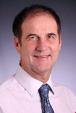 Dr. Stephen Atkin, Professor of Medicine at WCM-Q, has published groundbreaking research on polycystic ovary syndrome.